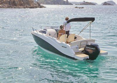 Quicksilver-555-cabin (28)