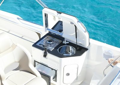Quicksilver-755-sundeck (21)