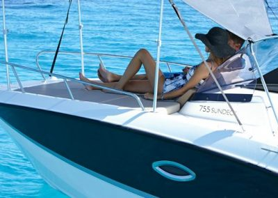 Quicksilver-755-sundeck (33)