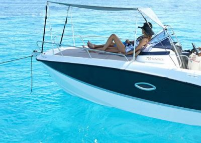 Quicksilver-755-sundeck (34)