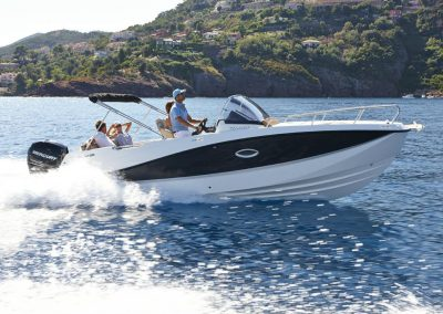 Quicksilver-755-sundeck (38)