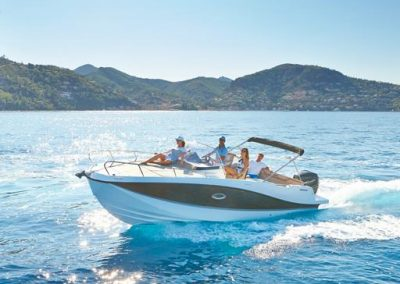 Quicksilver-755-sundeck (44)