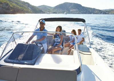 Quicksilver-755-sundeck (48)
