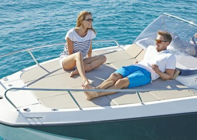 Quicksilver-755-sundeck (5)