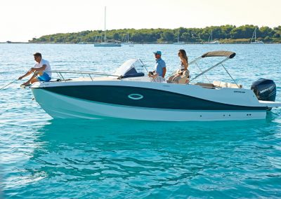 Quicksilver-755-sundeck (54)