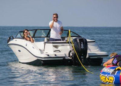 SeaRay-190-SPX-outboard (18)