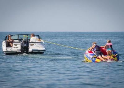 SeaRay-190-SPX-outboard (19)
