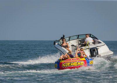 SeaRay-190-SPX-outboard (22)