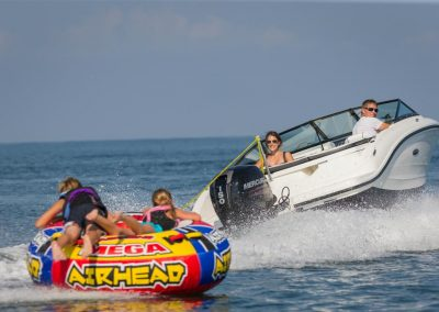 SeaRay-190-SPX-outboard (24)