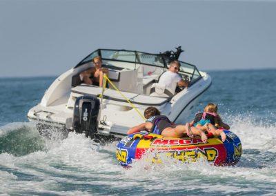 SeaRay-190-SPX-outboard (27)