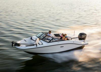 SeaRay-190-SPX-outboard (37)