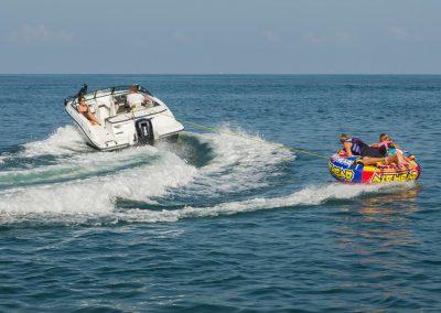 SeaRay-190-SPX-outboard (46)