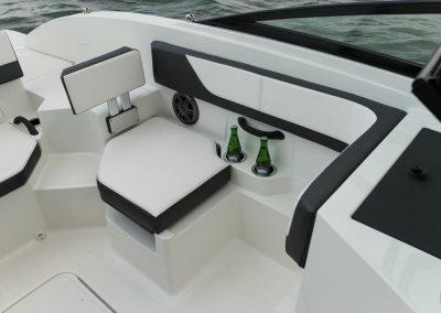 SeaRay-190-SPX-outboard (56)