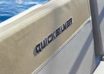 quicksilver-675-sundeck (7)