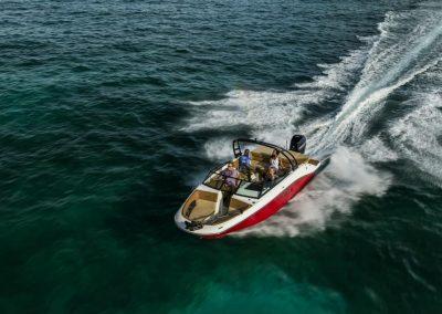 SeaRay-230-SPX-outboard (10)