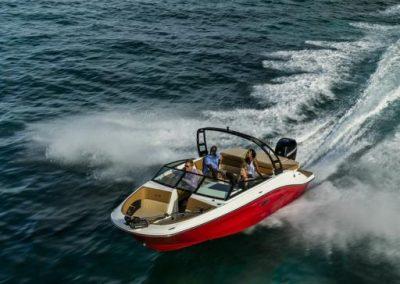 SeaRay-230-SPX-outboard (12)