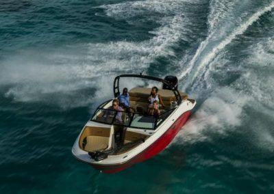 SeaRay-230-SPX-outboard (13)