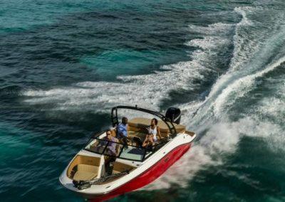 SeaRay-230-SPX-outboard (14)