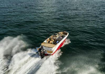 SeaRay-230-SPX-outboard (4)