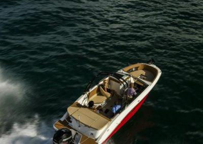SeaRay-230-SPX-outboard (5)
