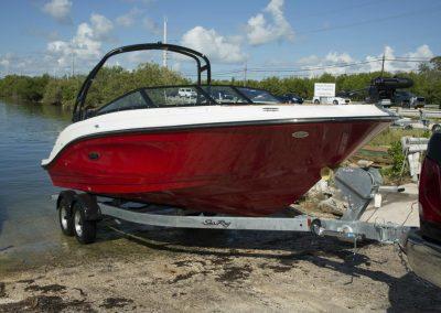 SeaRay-230-SPX-outboard (52)