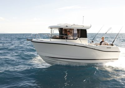 Quicksilver-605-Pilothouse (11)