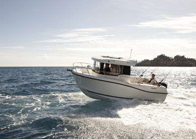 Quicksilver-605-Pilothouse (9)