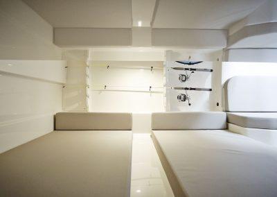 Quicksilver-905-Pilothouse (4)