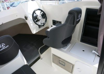 Parker 660 Pilothouse (23)