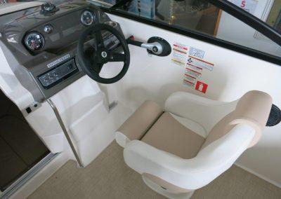 Bayliner VR5 Cuddy OB (8)